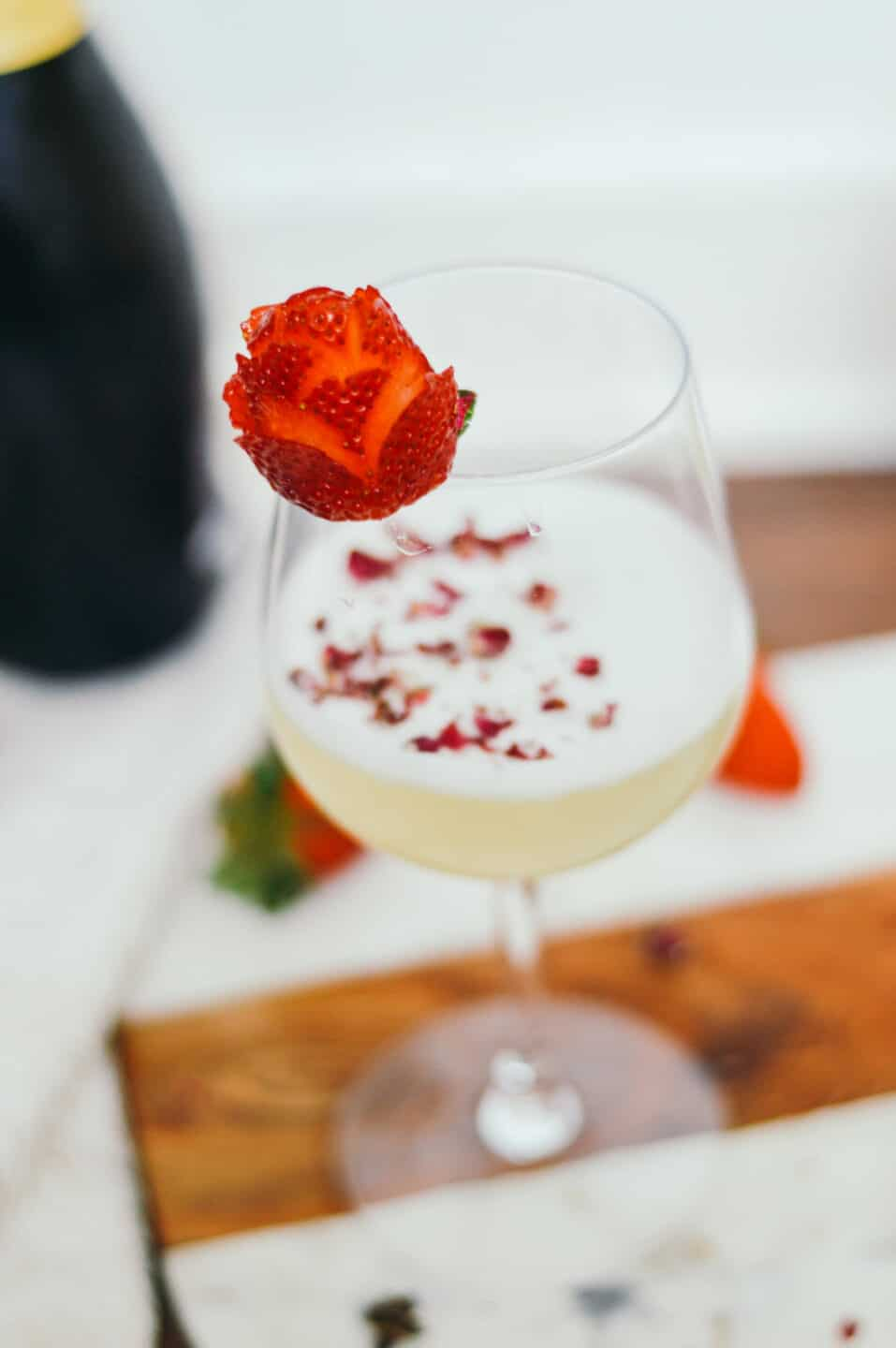 Easy Gin Fizz Recipe for Date Night