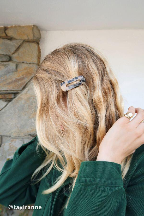 Acrylic Hair Accessories to Spice Up Your Hairstyles