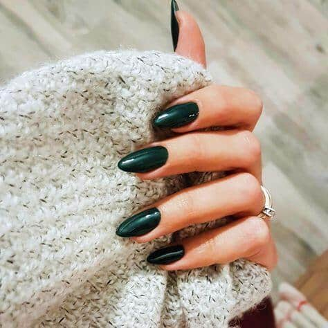 10 Popular green Fall Nail Colors for 2019