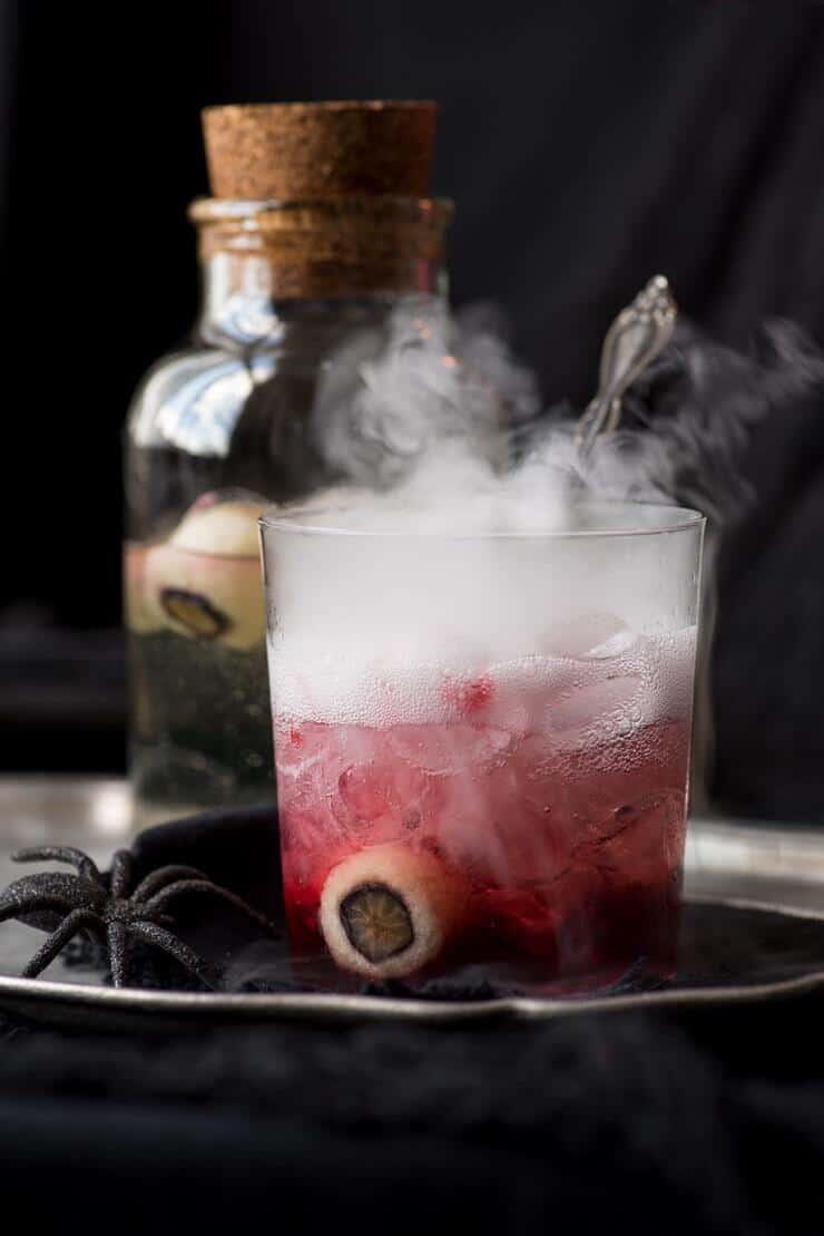 15 Smokey Halloween Cocktails to Impress With