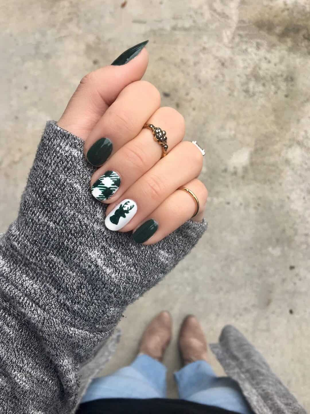 Deer Holiday Nail Ideas for 2019