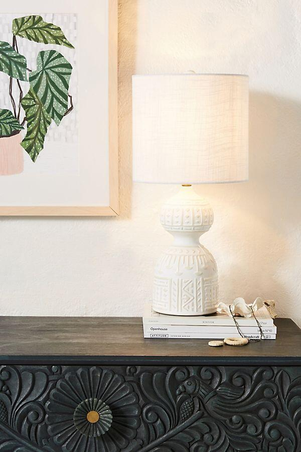 Pretty Table Lamp Decor Ideas // 15 Gorgeous Table Lamps under $100