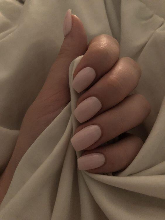 sand nails // nude beige nail polish