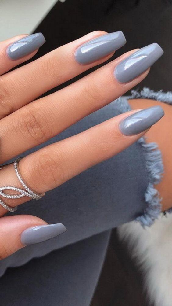 11 Popular Summer Nail Colors for 2020 // neutral grey nails