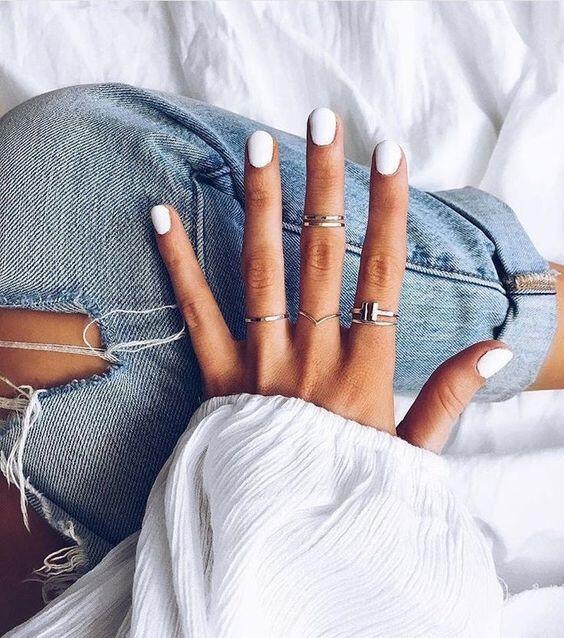 classic white nails // nail polish ideas