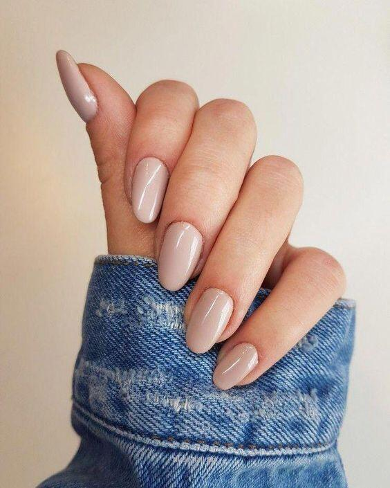 Top Neutral Nail Polish Colors for Every Skin Tone // Creamy Beige Nails