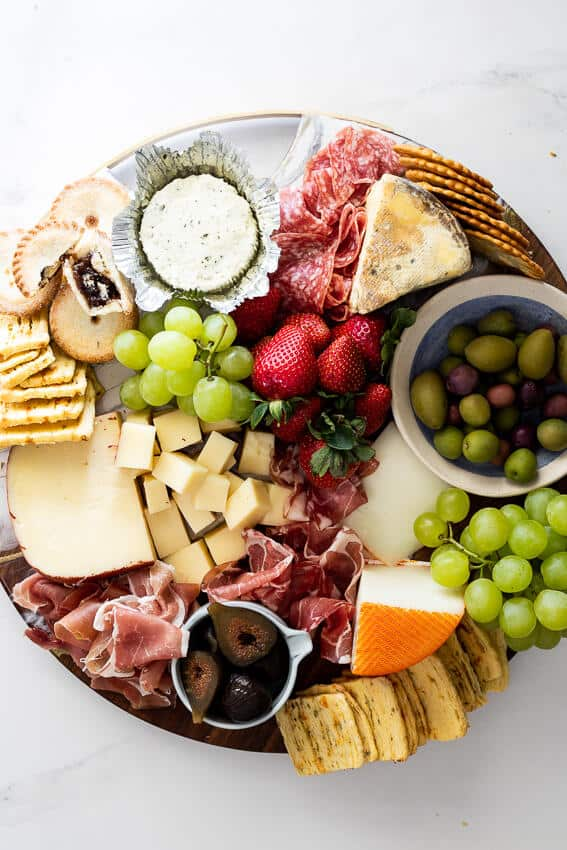 32 Holiday Charcuterie Boards and Cheese Boards